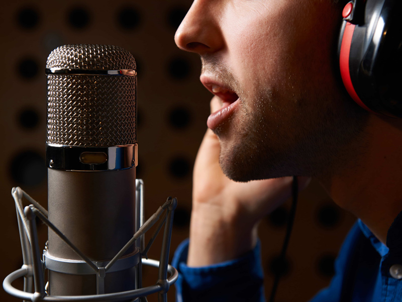 Narration, Voice-over